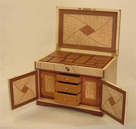 Box-With-Secret-Compartment-Plans