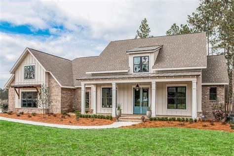 Brick-Modern-Farmhouse-Plans