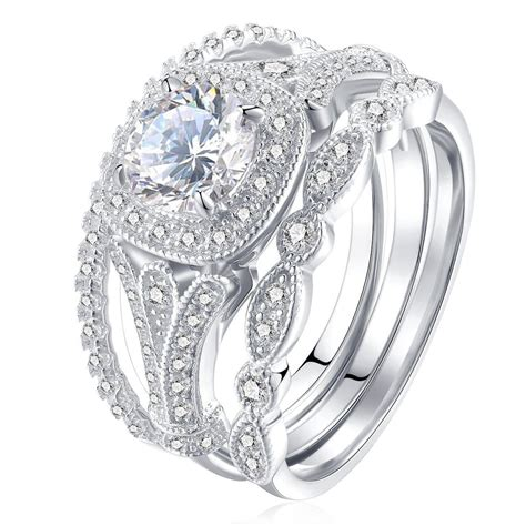 Bridal jewelry: great matches for trendy women clothes