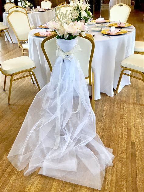 Bridal-Shower-Chair-Diy