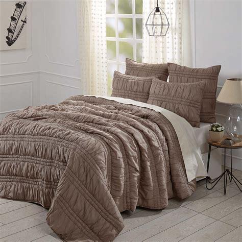 Brown-Farmhouse-Bedding-Set