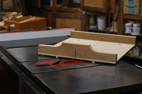Build A Miter Sled For Table Saw