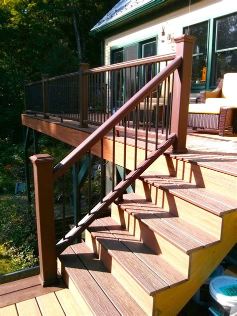 Build Deck Railing Stairs Pictures