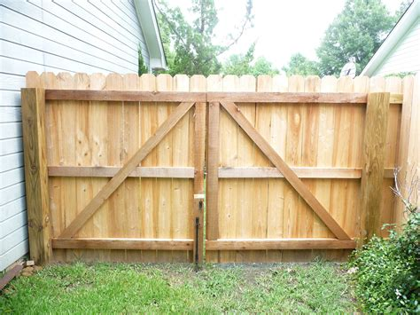 Build Wood Fence Gate Double