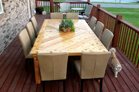 Build Your Own Outdoor Table