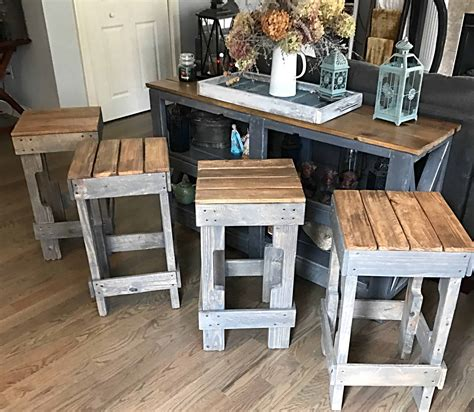 Build-Your-Own-Pallet-Bar-Stool-Plans