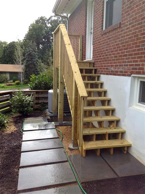 Building Wood Deck Stairs