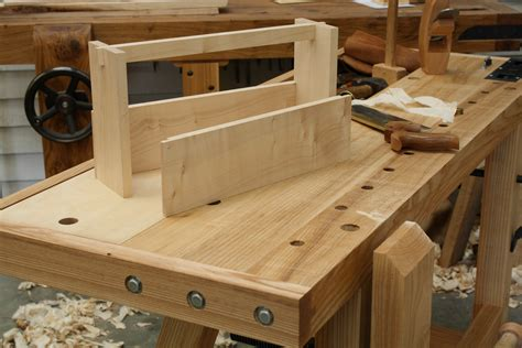 Building-A-Traditional-Woodworking-Bench