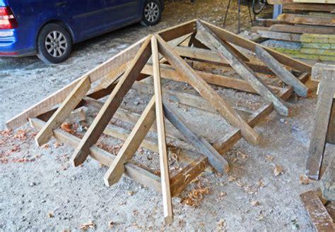 Building-Diy-Shed-Roof-Full-Hip