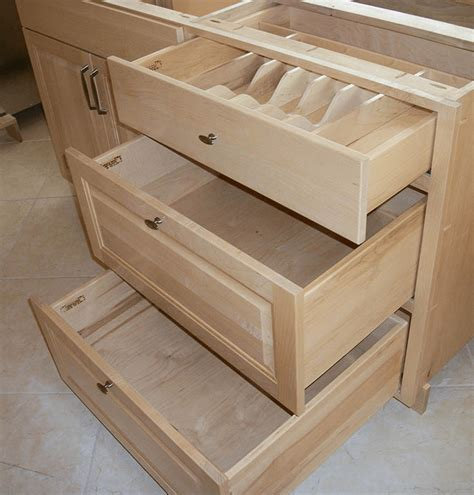 Building-Kitchen-Cabinet-Drawers