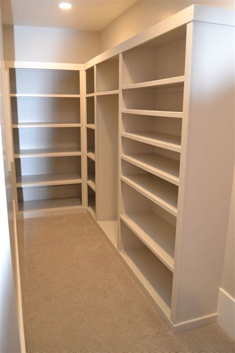 Built-In-Closet-Shelving-Plans