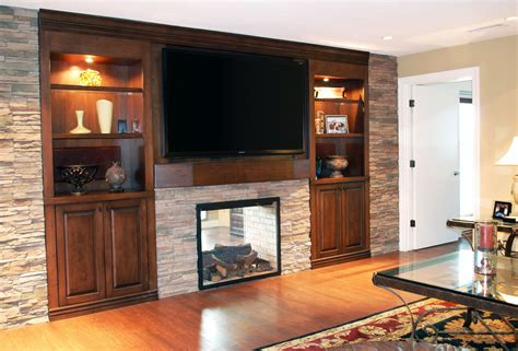 Built-In-Entertainment-Center-With-Fireplace-Plans