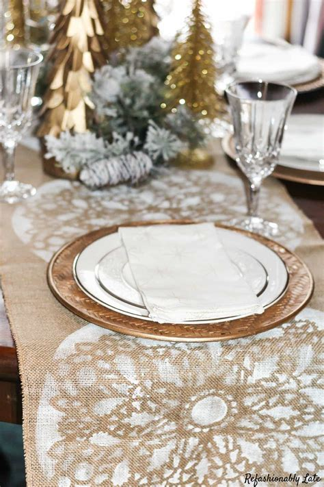 Burlap And Lace Table Runner Diy Christmas