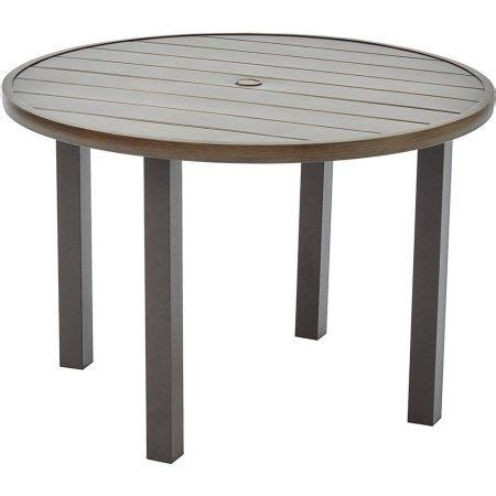 Camrose-Farmhouse-Round-Dining-Table