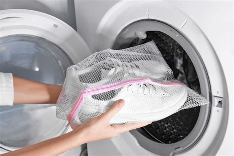 Can You Wash Converse Sneakers In Washing Machine