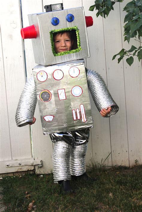 Cardboard-Box-Costume-Diy