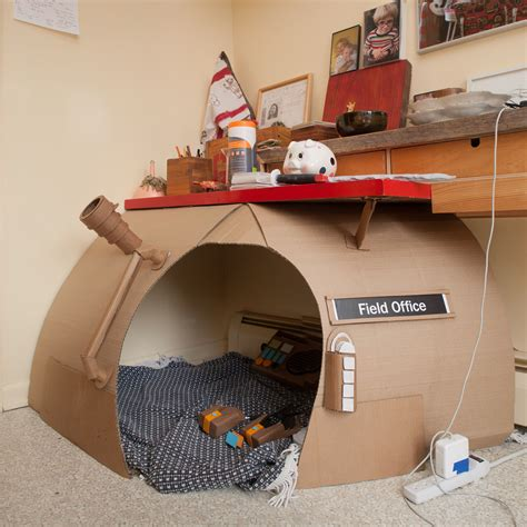 Cardboard-Box-Fort-Plans-For-College-Kids