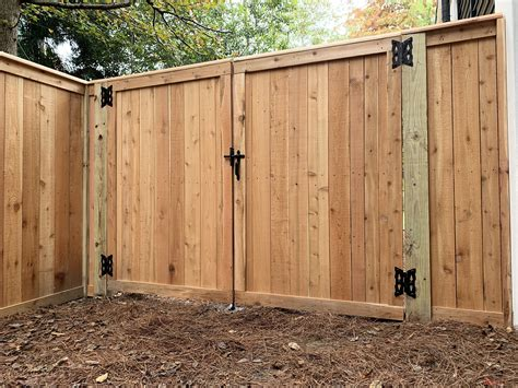 Cedar Picket Fence Gate Design