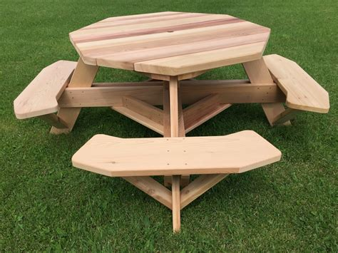 Cedar-Octagon-Picnic-Table-Plans