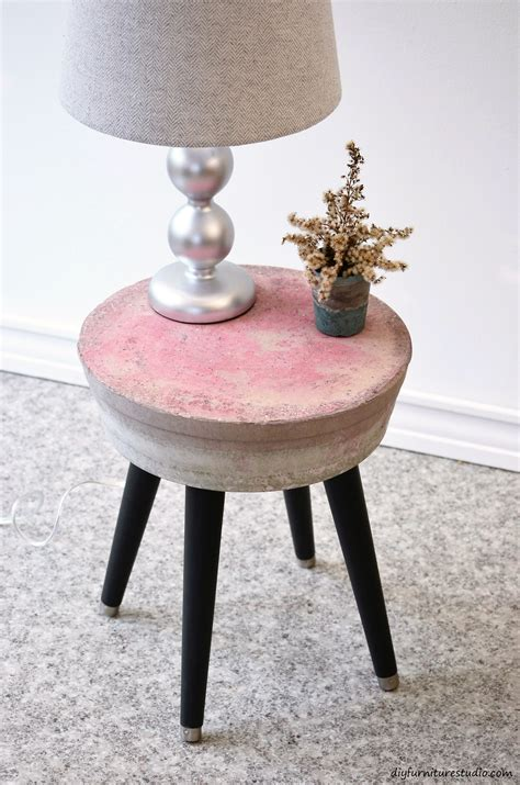 Cement-Side-Table-Diy