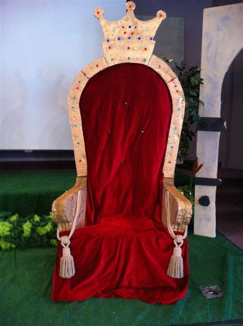Chair-Throne-Diy