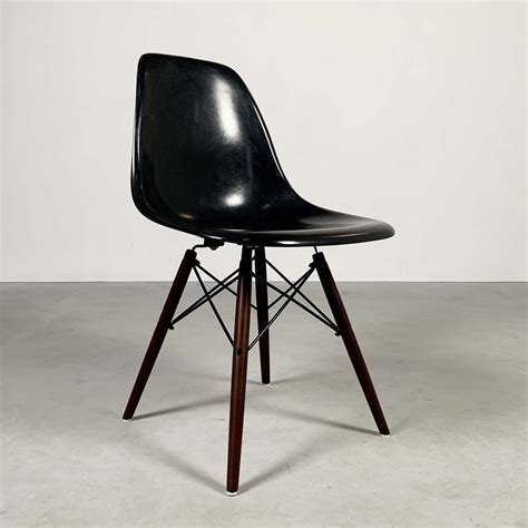 Charles Eames Dining Chair Dsw History