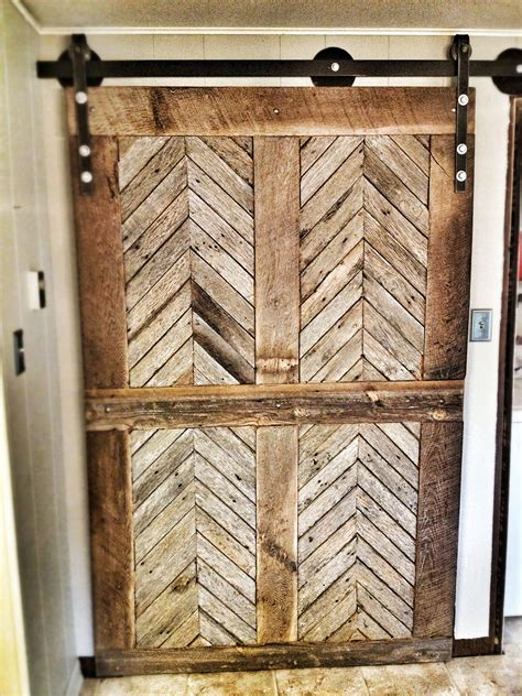 Chevron-Wood-Sliging-Doors-Diy