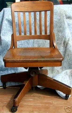 Chicago-Chair-Woodworking