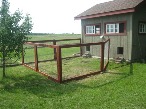 Chicken Coop Fence Plans