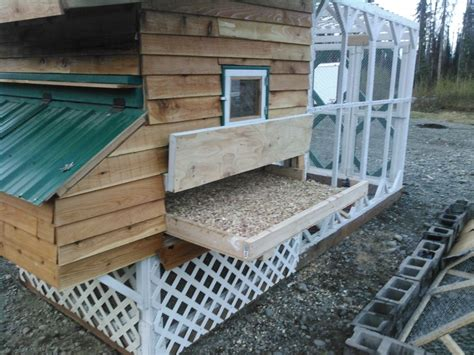 Chicken-Coop-Plans-With-Slide-Out-Tray