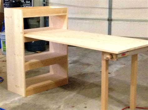 Childs-Art-Desk-Plans