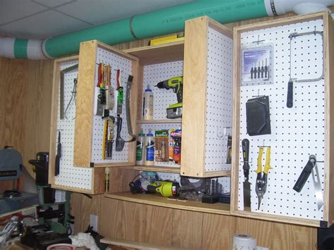 Clamshell-Tool-Cabinet-Plans