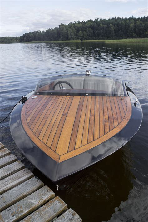 Classic-Wooden-Boat-Plans-Review