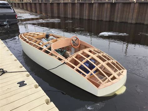 Classic-Wooden-Runabout-Boat-Plans