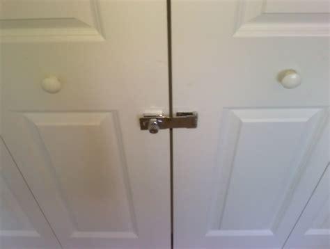 Closet-Door-Lock-Diy