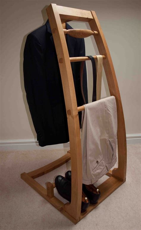 Clothes Butler Valet Stand DIY Project Plans