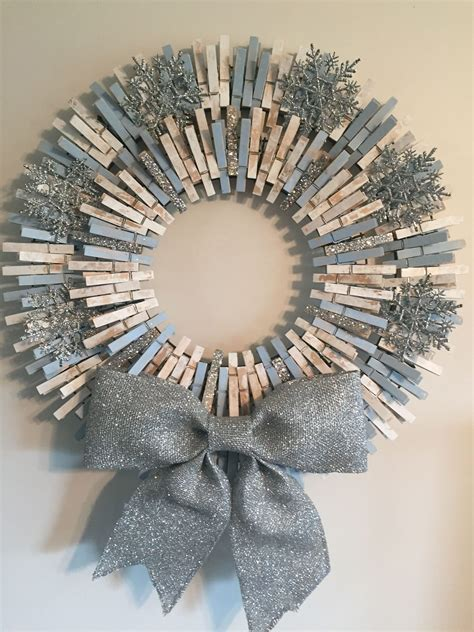 Clothespin-Wreath-Diy