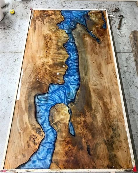 Coffee-Table-Diy-Wood-Chunks-River-Led