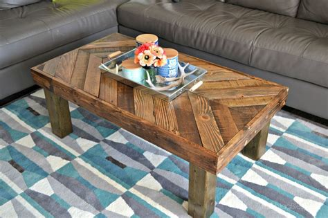 Coffee-Table-Made-Of-Pallets-Diy