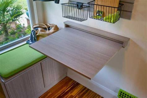 Collapsible-Laundry-Table-Diy