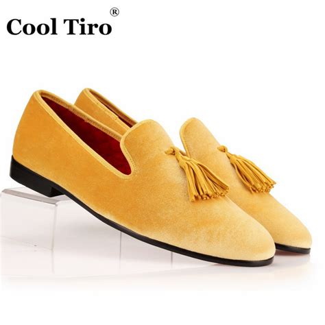 Colorful Men Velvet Loafers Men Dress Shoes Men's Flats Male Smoking slippers Casual Shoes