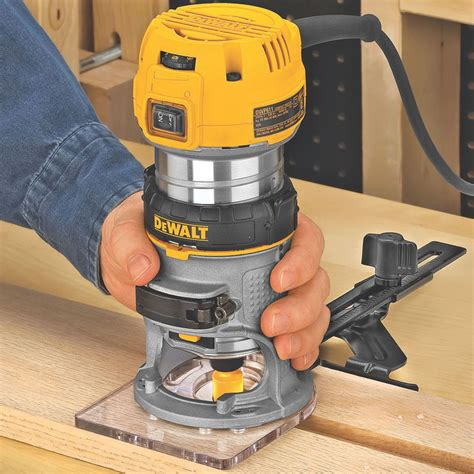 Compact-Router-Woodworking