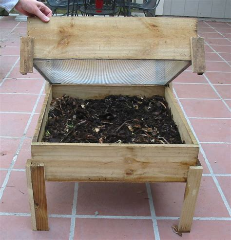 Compost Worms Wooden Outdoor Bin Plans