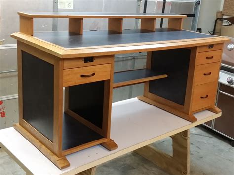 Computer-Desk-Plans-To-Build