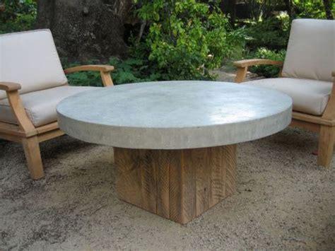 Concrete-Outdoor-Coffee-Table-Diy