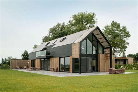 Contemporary-Barn-House-Plans