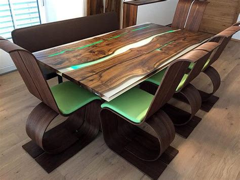 Cool-Woodworking-Table