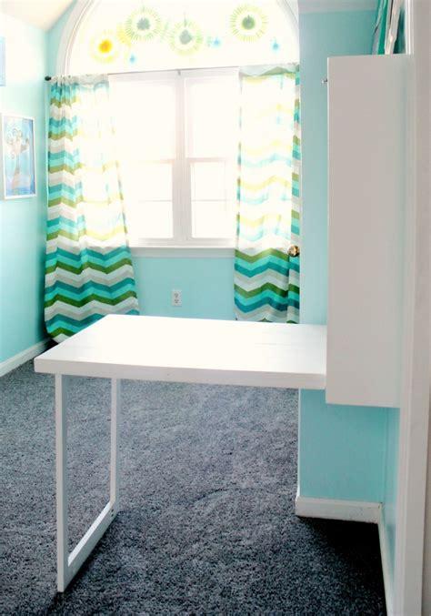 Coral-Diy-Murphy-Desk