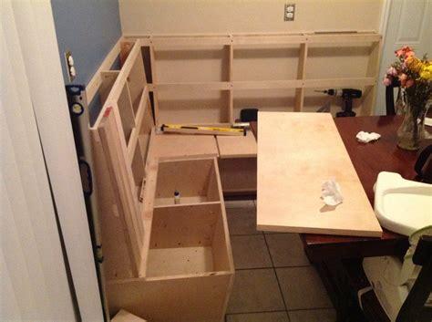 Corner-Dining-Table-Diy