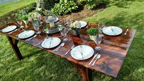 Country-Creek-Farmhouse-Tables